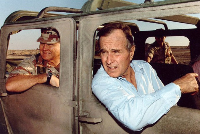 norman-schwarzkopf-jr-and-president-george-h-w-bush-visiting-troops-during-the-gulf-war